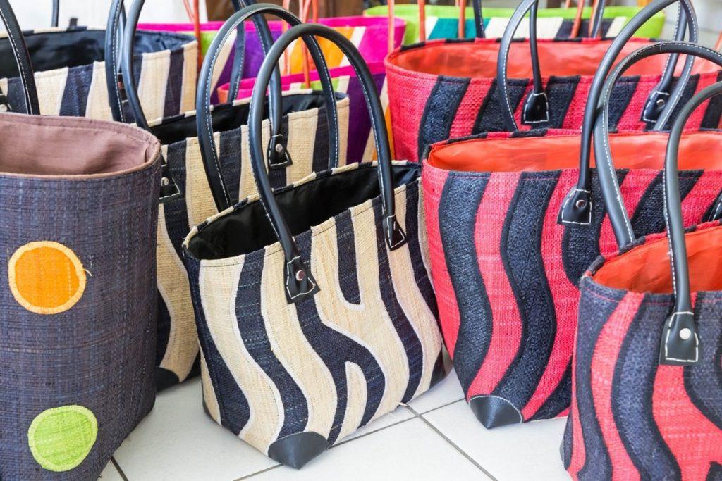 Vente-artisanat-malgache