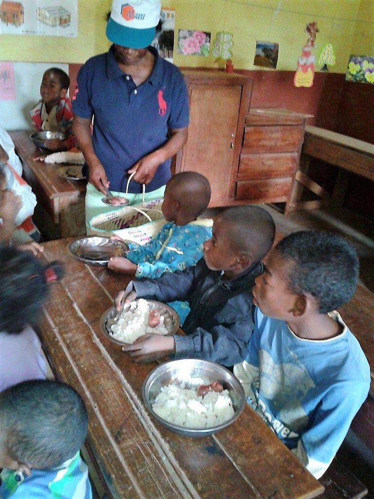 amitie-picardie-madagascar-distribution-de-paniers-alimentaires
